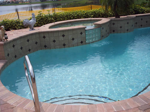 Pontaqua specialistul recunoscut al piscinelor for Acoperiri piscine